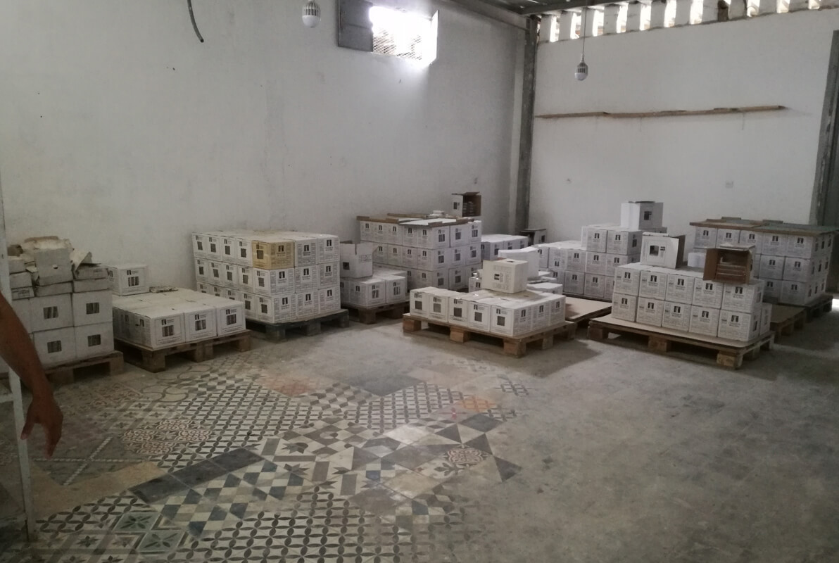 stock carreaux de ciment